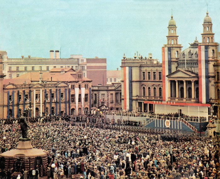 Church square in Pretoria on the day South Africa became a republic