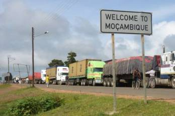 mozambique-and-malawi-border-post